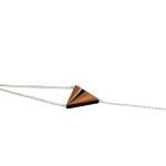 lucie-richard-marqueterie-de-paille-bracelet-metis-orange-or-750x500