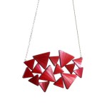 lucie-richard-marqueterie-de-paille-collier-cosmos-rouge-or-750x500