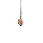 lucie-richard-marqueterie-de-paille-collier-hera-orange-gris-or-750x500